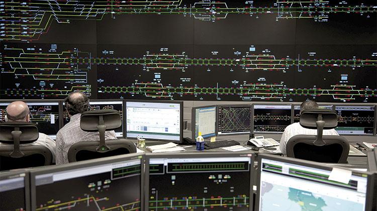 Centro de control ferroviario. / PN