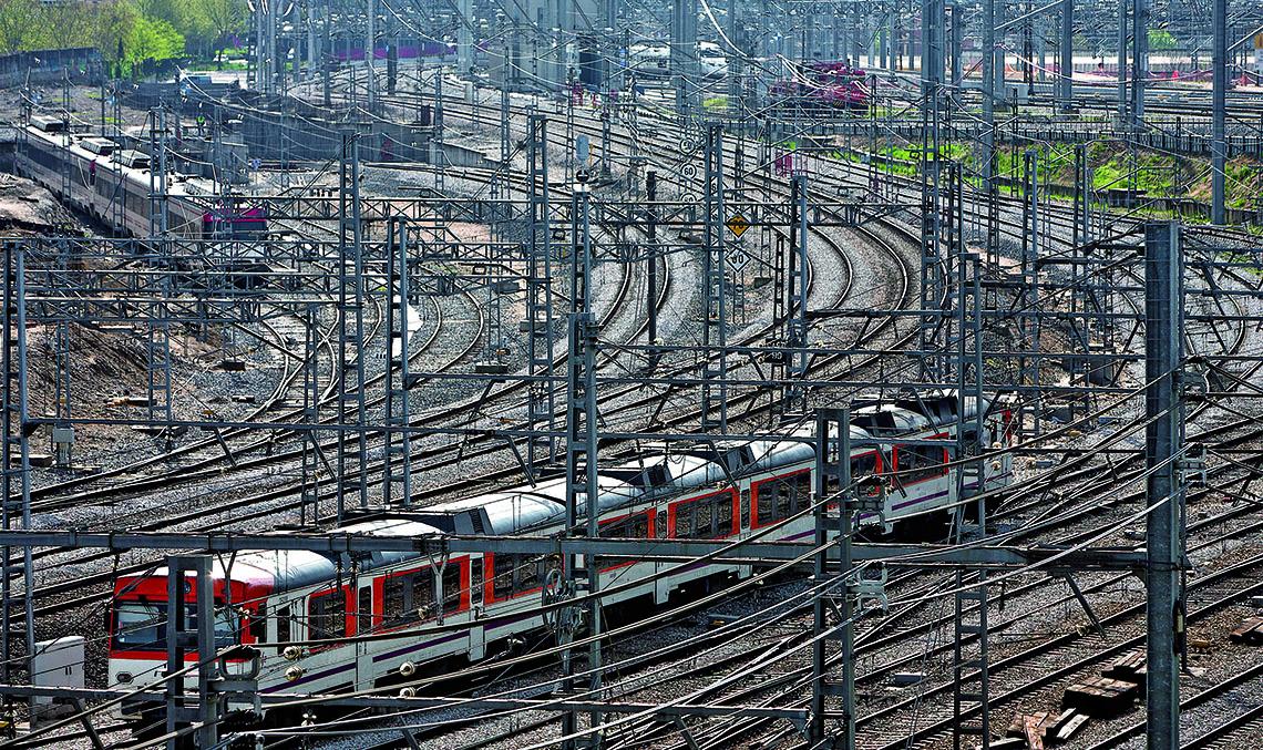 IMPLANTACIÓN DEL ERTMS. La implantación del ERTMS conlleva diferentes mejoras en la explotación ferroviaria, desde la interoperabilidad de circulación de diferentes tipos de tren en distintas infraestructuras, hasta el incremento de la seguridad y la capacidad.