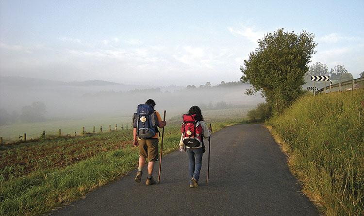 RENACIMIENTO Y RENOVACIÓN. Muchos caminantes prolongan su viaje hasta Finisterre, el punto geográfico más occidental del Europa. / FOTO_JOSÉ ANTONIO GIL MARTÍNEZ (FLICKR)